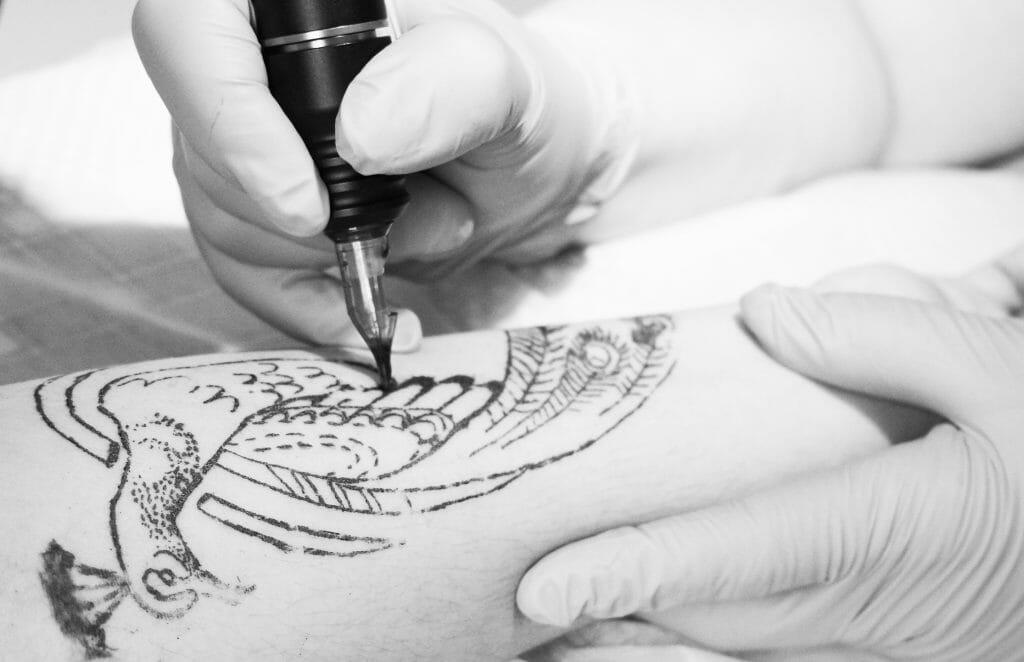 http://www.samarasatori.ru/wp-content/uploads/2016/07/tattoo-v-samare-1024x662.jpg